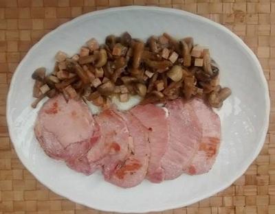Lomo cerdo adobado plancha champis salteados