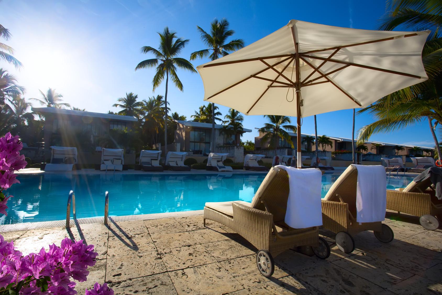 hotel piscina 400